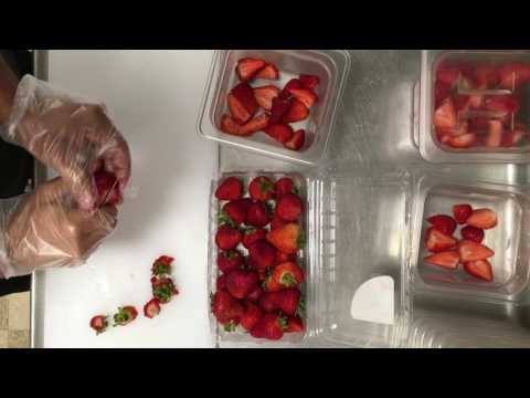 How to cut Strawberries