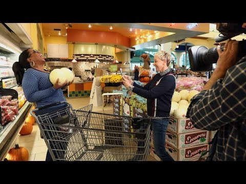 Ellen & Oprah Take Over a Grocery Store Part 1