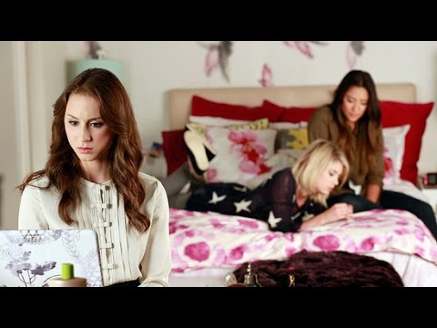 Pretty Little Liars Decorating Ideas From Hanna's Bedroom