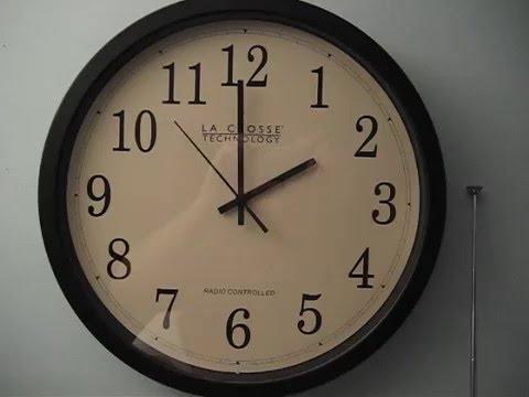 Analog Atomic Clock - Spring 2AM Daylight Saving Adjustment