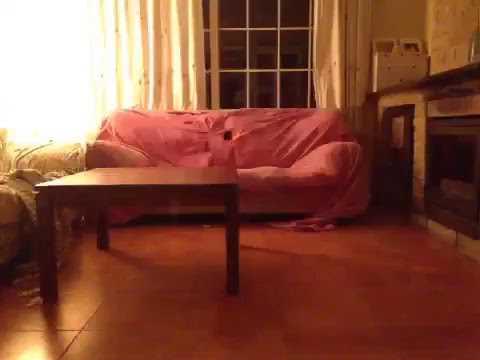 Como convertir un sofá en una caja de palillos, (toma 1)