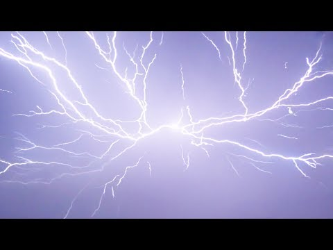 THE ULTIMATE LIGHTNING STORM - In Slow Motion