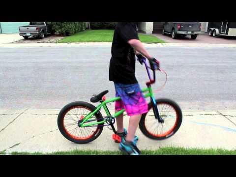 How to Bunnyhop on a BMX Bike