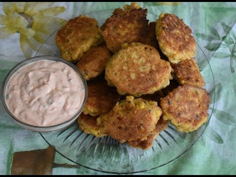 How to make corn fritters with sour cream dip