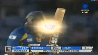 Thisara Perera Battng (35 Runs for a over)  5 Sixes and Four against South Africa 26/07/2013