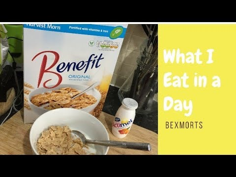 WHAT I EAT IN A DAY   COLLAB WITH KIRA HUTT