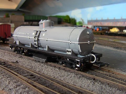 The Ho Bachmann cleaning car transformed....No143