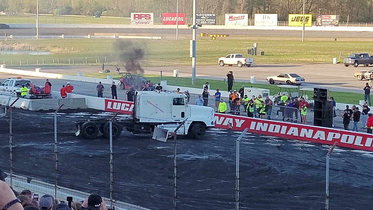 A Semi/Tractor Performs In Burnout Rivals At Cleetus And Cars Indy 2021?!?!
