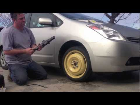 MDOP#15: Prius Tire Change -- How to change a tire with those tools in your car