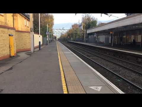 New c2c class 387 trains at Thorpe Bay station!