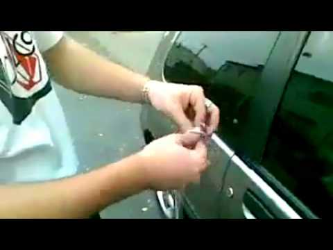 How to open car if you lost your key