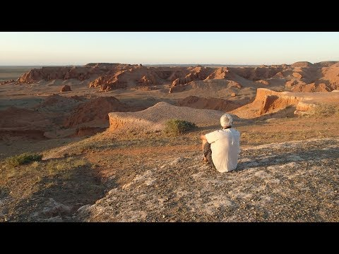Mongolia - Gobi, cliffs, petroglyphs & dunes