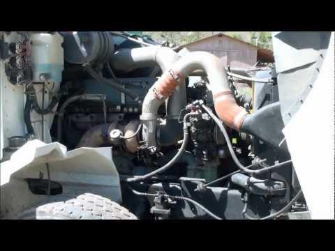 Working on a Detroit Diesel Engine [Bad Fuel Pump]