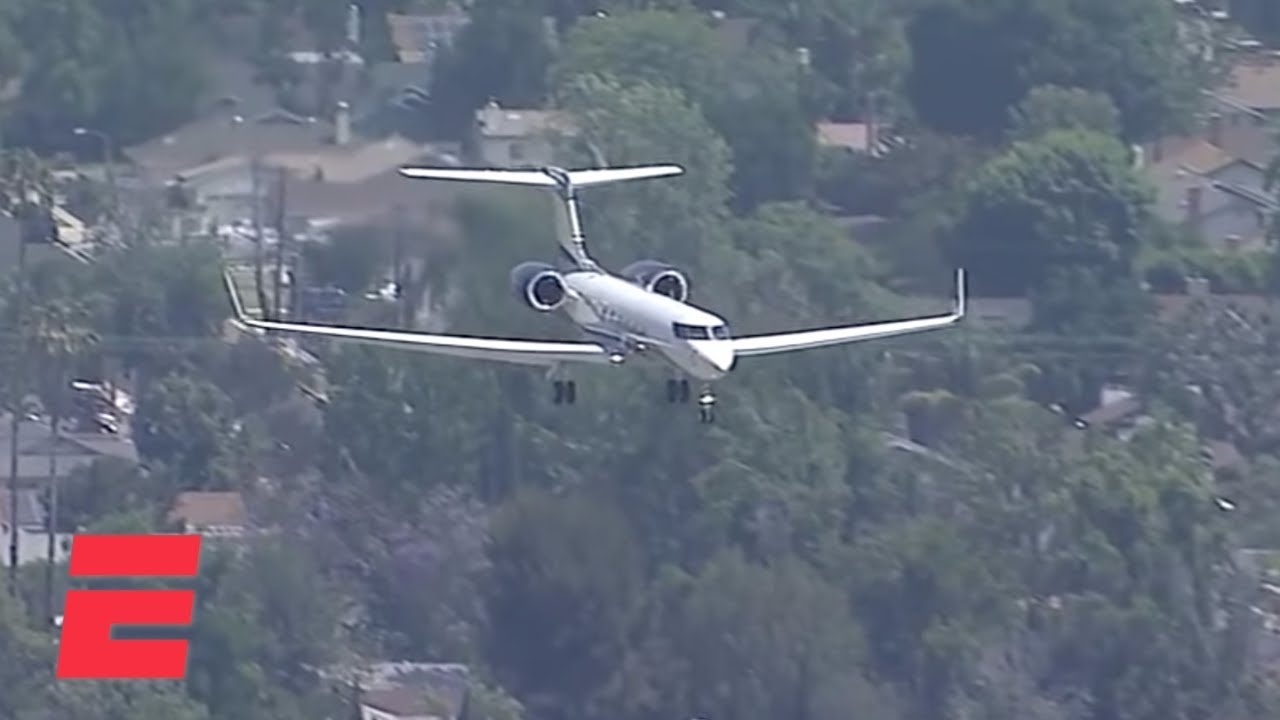 LeBron James' plane arrives in Los Angeles before the start of free agency | NBA on ESPN