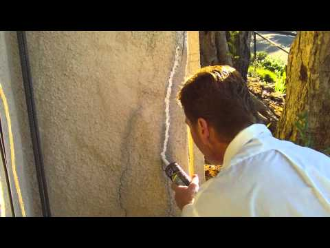 How to fix cracks in stucco