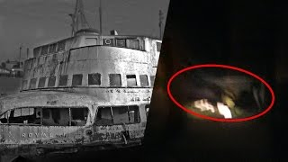 Exploring Haunted Ship GOES WRONG! (DEAD BODY FOUND)