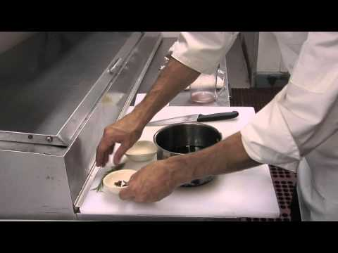 How to Make a Fig Reduction From Dried Figs : Fig Recipes