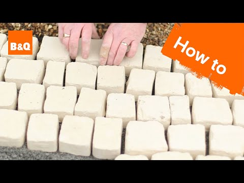 How to lay carpet stone paving