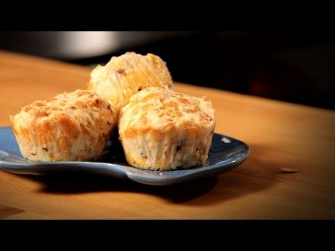 How to Make Bacon Cheese Muffins | Bacon Recipes