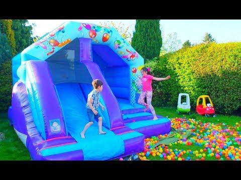 Bouncy Castle Fun with Balls-Five Little Monkeys Song