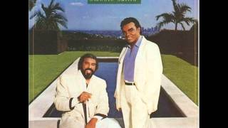 The Isley Brothers - Smooth Sailin