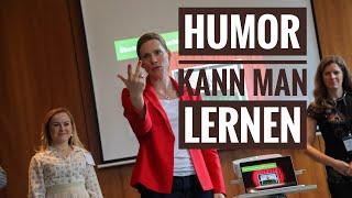 Humor auf die Rednerbühne bringen. Feedback zu Ihrem Vortrag!