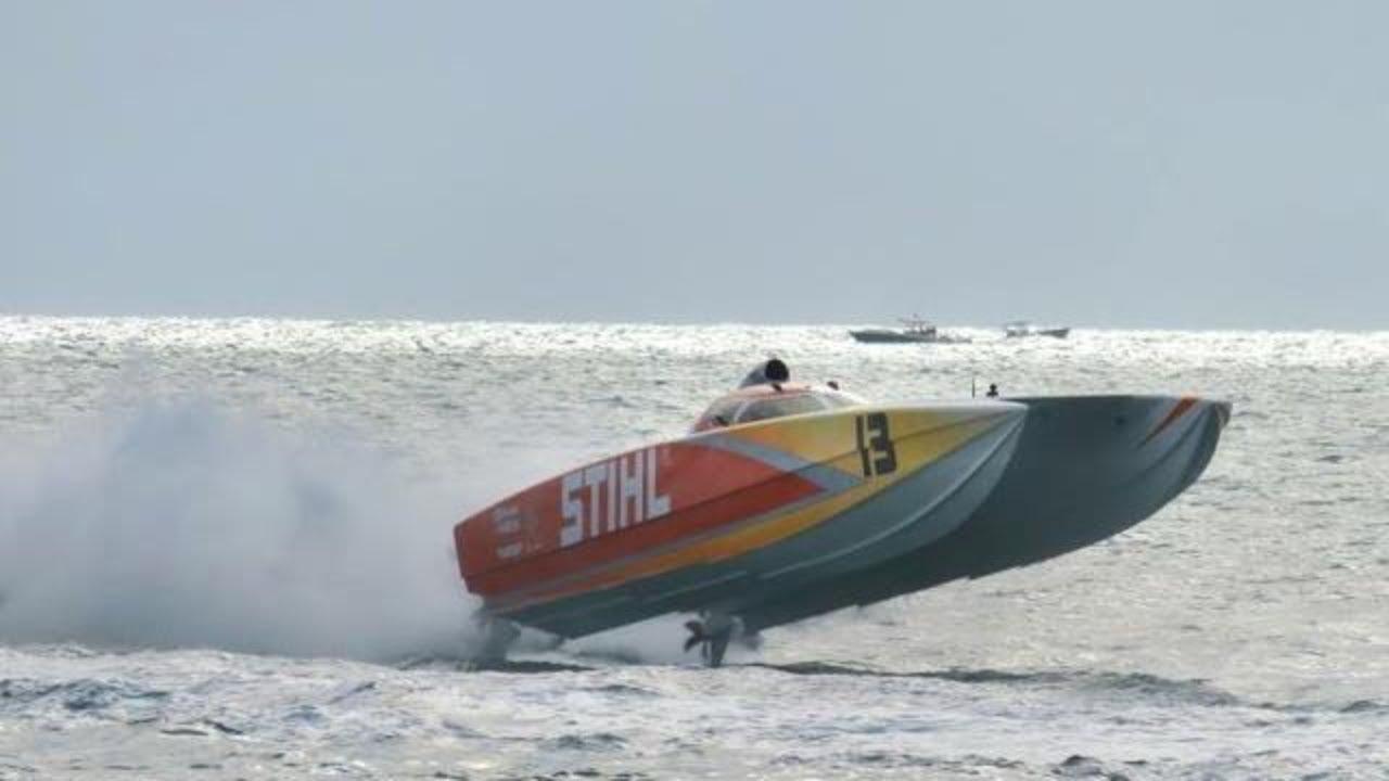 Nothing good on TV? We have 130 MPH superboats for you.  2015 Superboat Championships