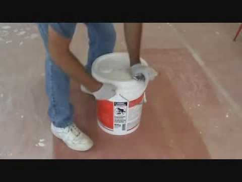 How to paint a wall: mixing up the primer