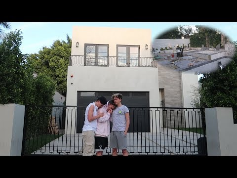 WE CAME BACK TO OUR OLD HOUSE (we broke in)
