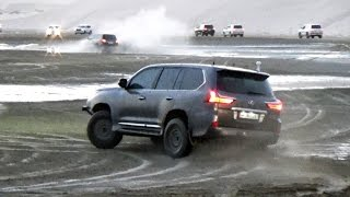 #x202b;استعراض لكزس ف صبخة العديد - Drift Lexus Lx570 Off Road#x202c;lrm;