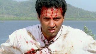 Sunny Deol, Raveena Tandon - Imtihaan Action Scene 6/13