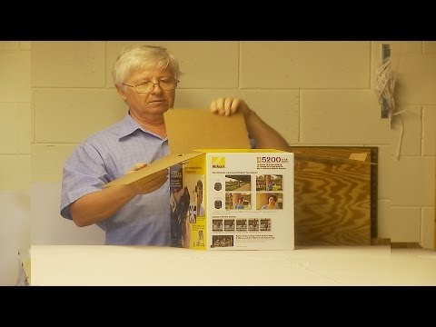 Unboxing Nikon D5200 - Kit with 2 Nikkor lenses and more...