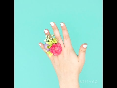How to Make a Prom Corsage Ring