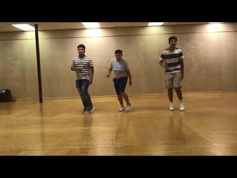 Cumbia wepa dancers