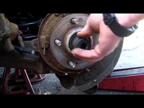 how to replace a rear wheel bearing on a 2001-2006 Hyundai Santa fe 2wd