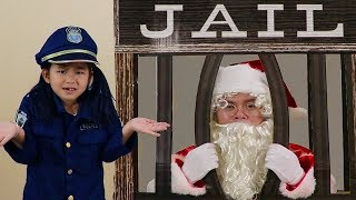 Jannie Pretend Play w/ Santa Clause Giving Christmas Presents & Getting Locked Up in Jail