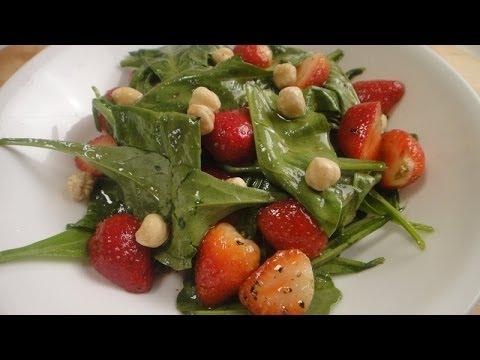 Baby Spinach and Strawberry Salad | Sanjeev Kapoor Khazana