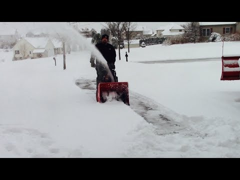 Powersmart DB7103PA Snowblower In Action Review