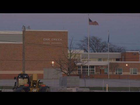 Verizon cell tower won't be moved to build school auditorium in Oak Creek
