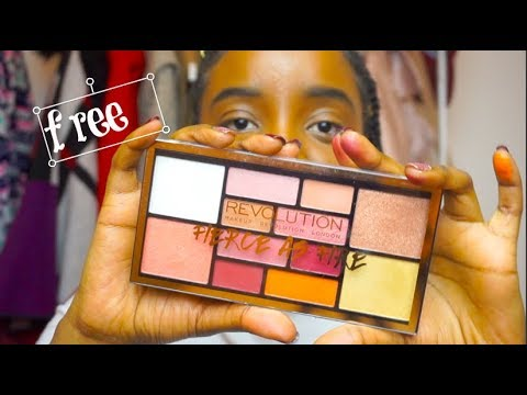 VLOGMAS || Free Revolutions Palette/ Fierce as Fire / swatches