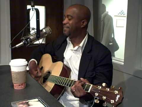 Darius Rucker sings