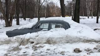 Abandoned Volga GAZ-21 in Snow Walkaround