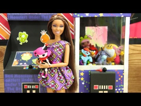 How to Make a Doll Claw Machine - Doll Crafts