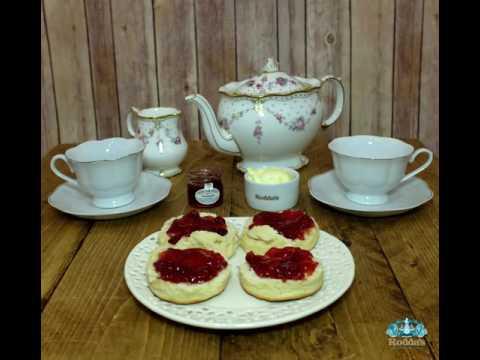 How to make the perfect Rodda's Cornish cream tea