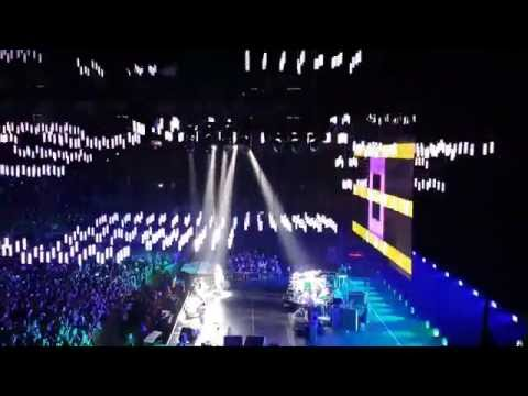 Red Hot Chili Peppers  (Live!) - Intro + Can't Stop - @ The O2 Arena 2016