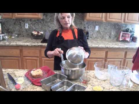 Cooking with Leslie-  Golden Cornbread
