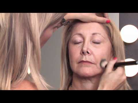 Makeup Tips for Older Women : How to Apply Makeup Right After 50 to Minimize Wrinkles