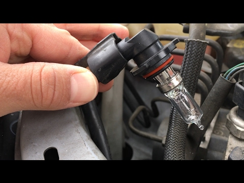 2010 Toyota Corolla Headlight bulb replacement