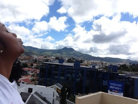 Excuse Me as I Kiss the Sky... in Tegucigalpa, Honduras
