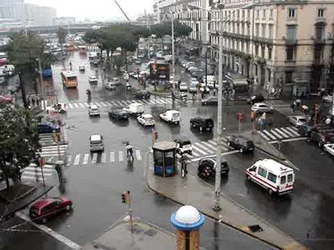 Napoli Piazza Garibaldi Traffic (1)